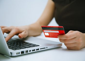 Learning How to Pick the Best Merchant Account for Your Burgeoning Wholesaling Company