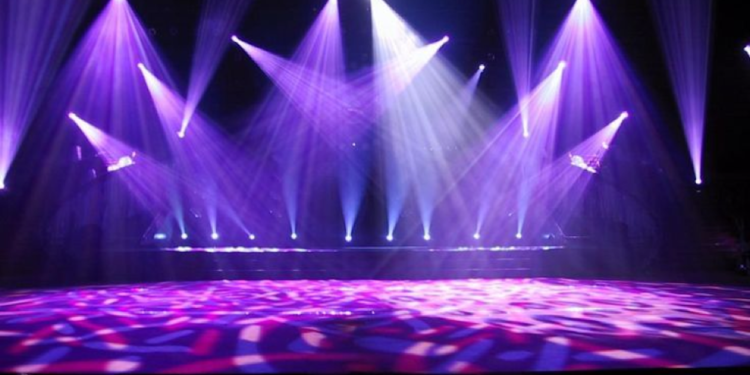 3 Ways to Use Neon For Your Theatre Plays