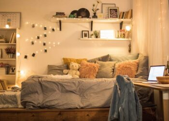 Want to make Your Bedroom Feel Extra Cozy Here is what you need to Know