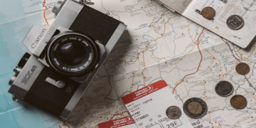 Traveling With Your Significant Other? Here's What to Remember
